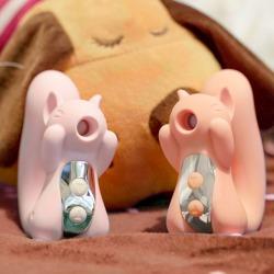 【女用器具】kiss toy miss uu松鼠外部刺激震动吮吸刺激器(限价239)
